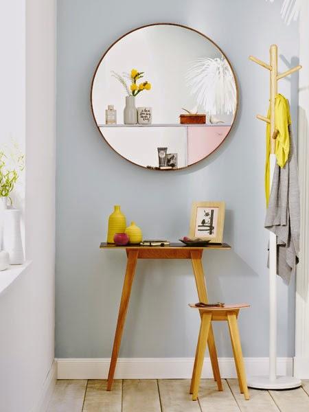 Stockholm Spiegel von IKEA mit leichter Regal-Konstruktion zum Selbermachen