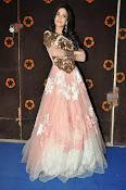 Kanika Kapoor glamorous photos-thumbnail-2