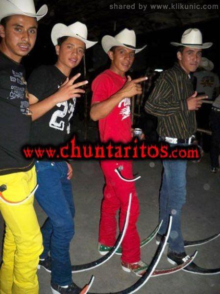 http://2.bp.blogspot.com/-O5wVjarNmxU/TXXNiHs2BcI/AAAAAAAAQYg/t9D2jhO2Lz8/s1600/these_boots_11.jpg