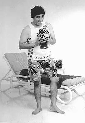 Carlos Bonavides disfrutando de un refresco