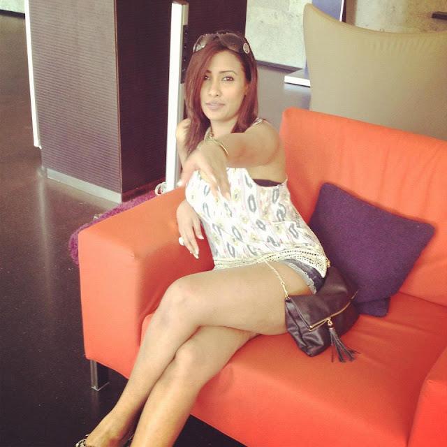 Nadee Kumarasinghe - Sri lankan girl