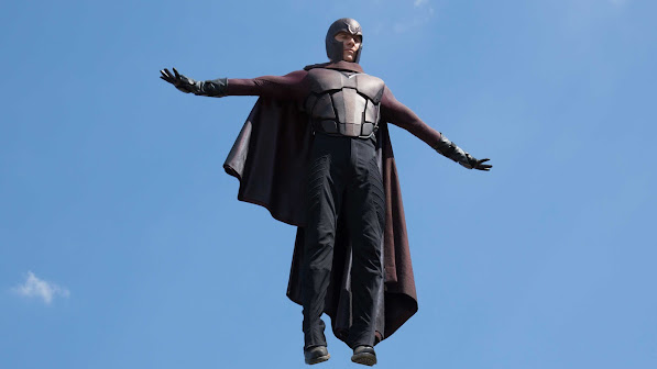 michael fassbender  as erik lehnsherr / magneto in x men days of future past 2014 movie