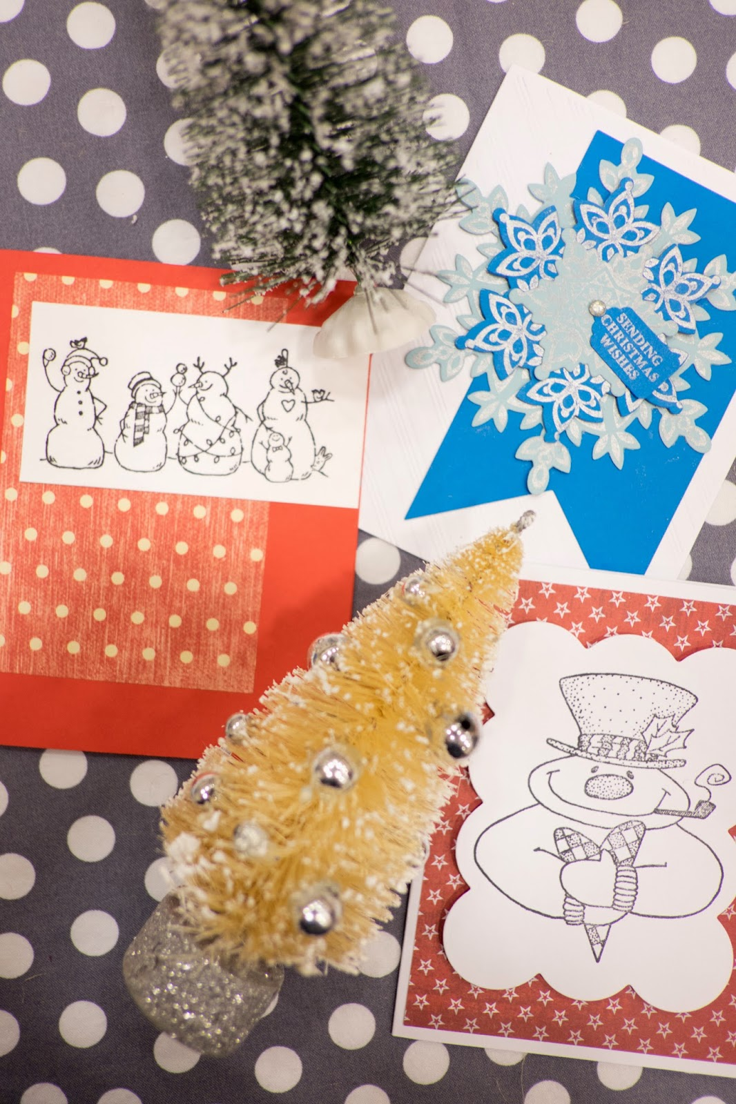 Domestic Fashionista: Moms Group: Christmas Card Making