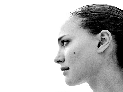 Natalie Portman Glamours Wallpapers style