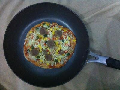 Pizza Panggang Homemade menggunakan Lock & Lock E-Cook Deco Fry Pan