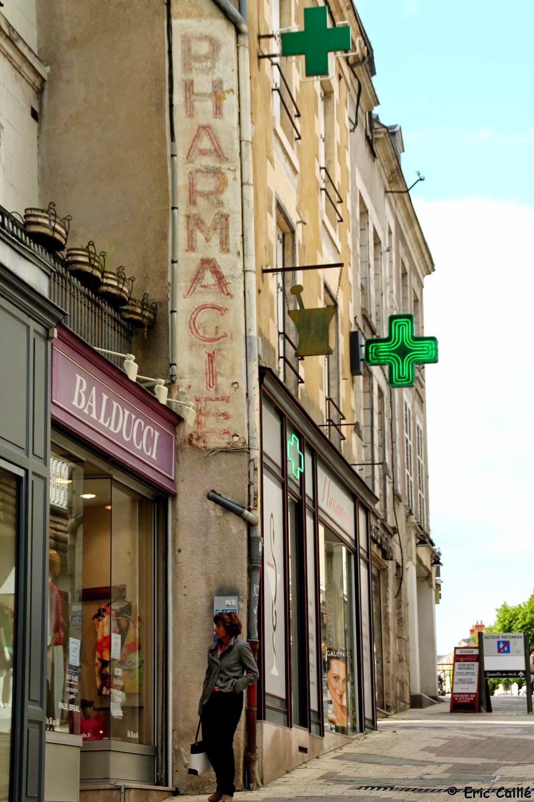 Les murs peints parlent blois pharmacie de garde - Pharmacie de garde porte de vincennes ...