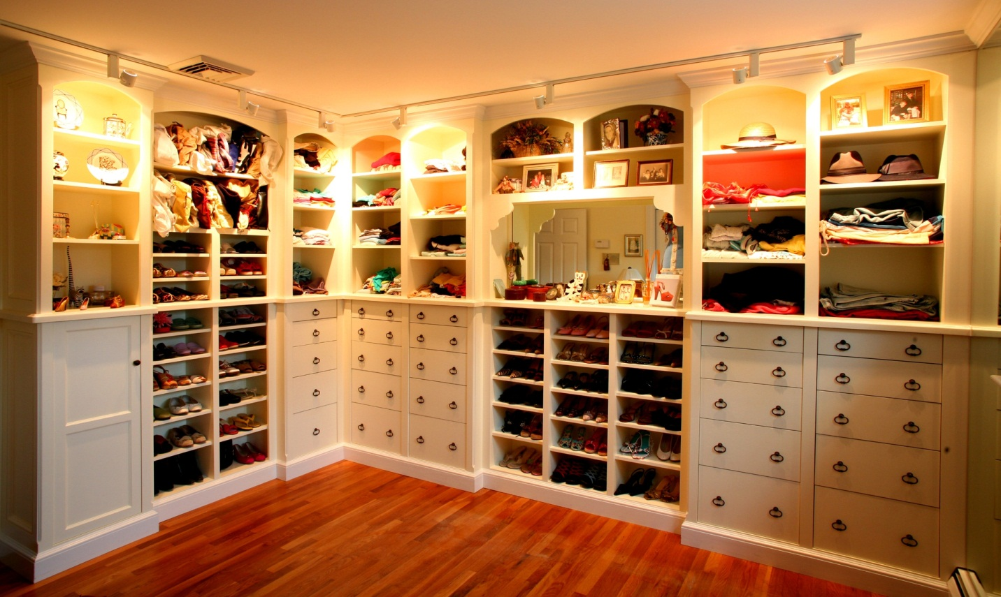 Unique and stylish closets to suit Dressing a kitchen