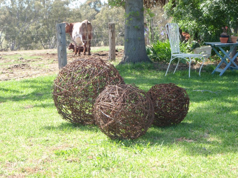 Perfect Barbed Wire Art Ideas Embellishment - Electrical and Wiring ...