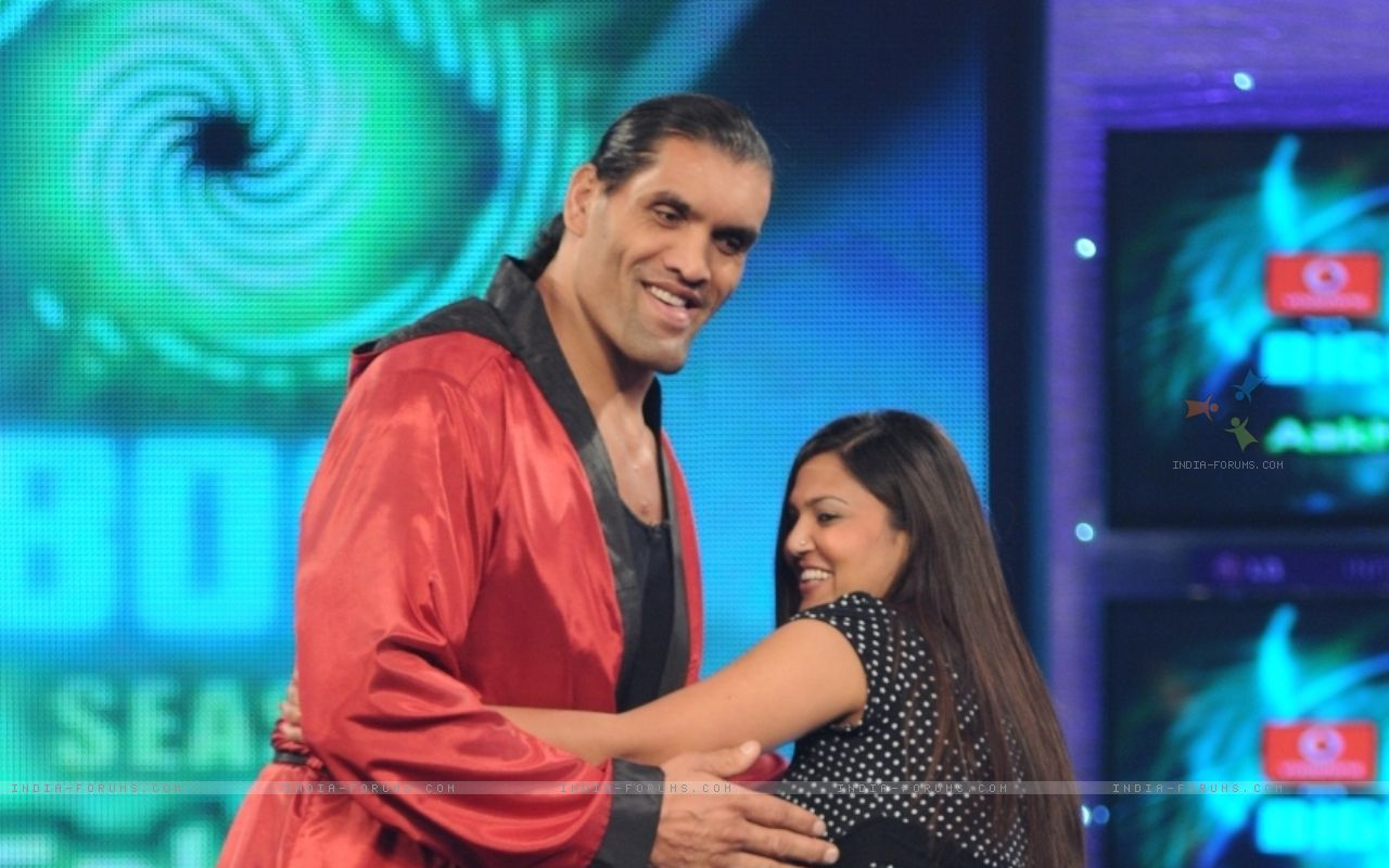 http://2.bp.blogspot.com/-O7KeYJdYoj4/TaK6FE3WKoI/AAAAAAAABmk/j6WEJDga-m8/s1600/the+great+khali+and+salman+khan+102373-wwe-superstar-the-great-khali-doing-ball-dance-with-his-wife.jpg