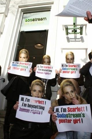 http://2.bp.blogspot.com/-O7XWBqL6mWE/UwE1dY_LwHI/AAAAAAAAVDQ/rDFOCP02hR0/s1600/Sodastream+1.2.14+Scarlet+Johansson+%25281%2529.jpg