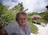 Berta Santos, artesana cubana y la alegría de vivir...