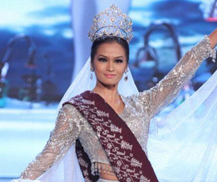Janine Tugonon in a tribal-inspired silver and maroon national costume for Miss Universe 2012