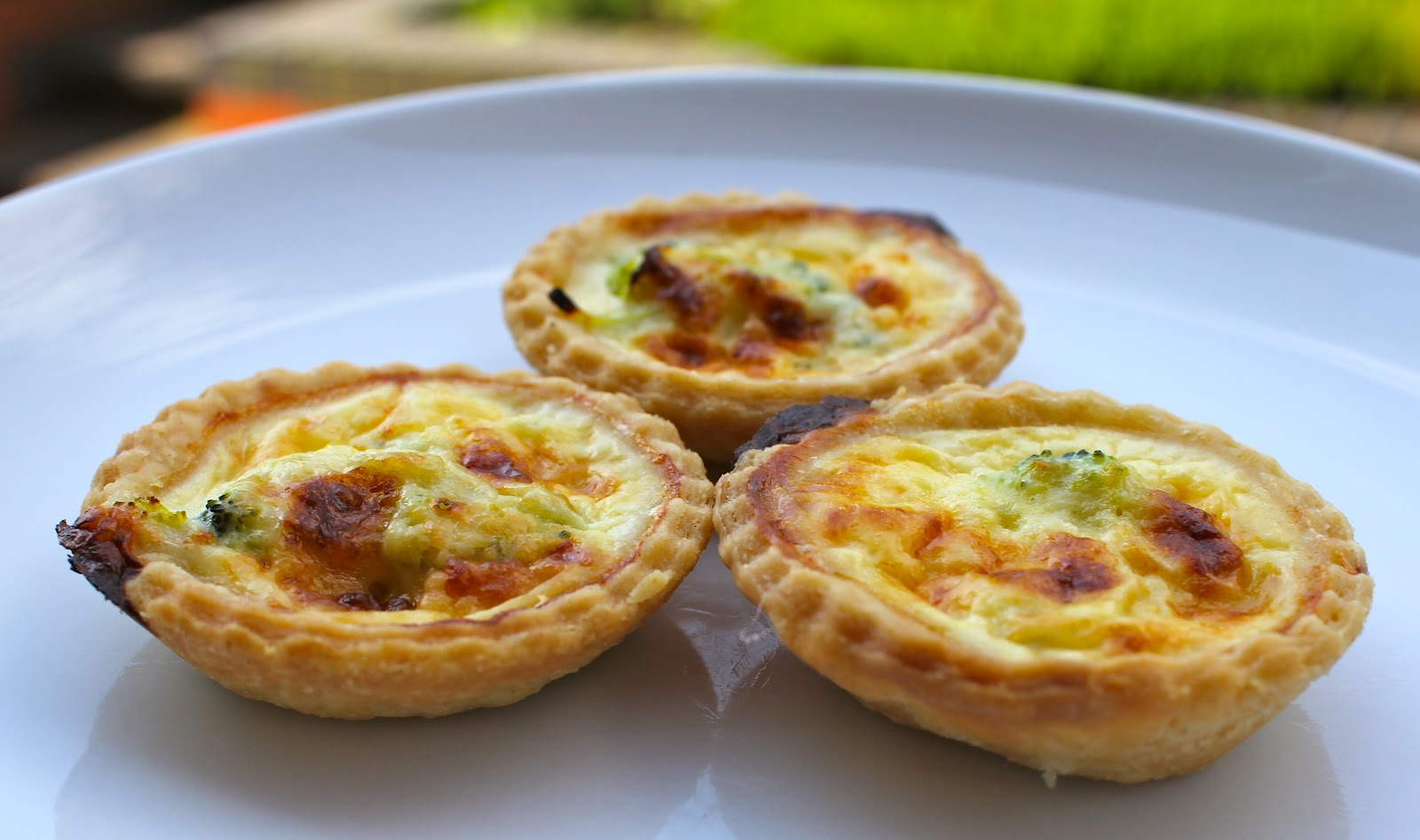 mamacook: Broccoli and Cheddar Mini Quiches for the Whole Family