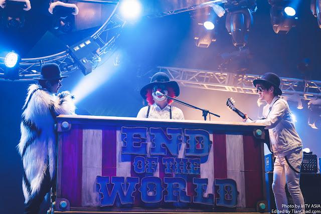 Fukase, DJ LOVE and Nakajin of SEKAI NO OWARI performing at MTV World Stage Malaysia 2015 on 12 Sep (Credit - MTV Asia & Aloysius Lim)