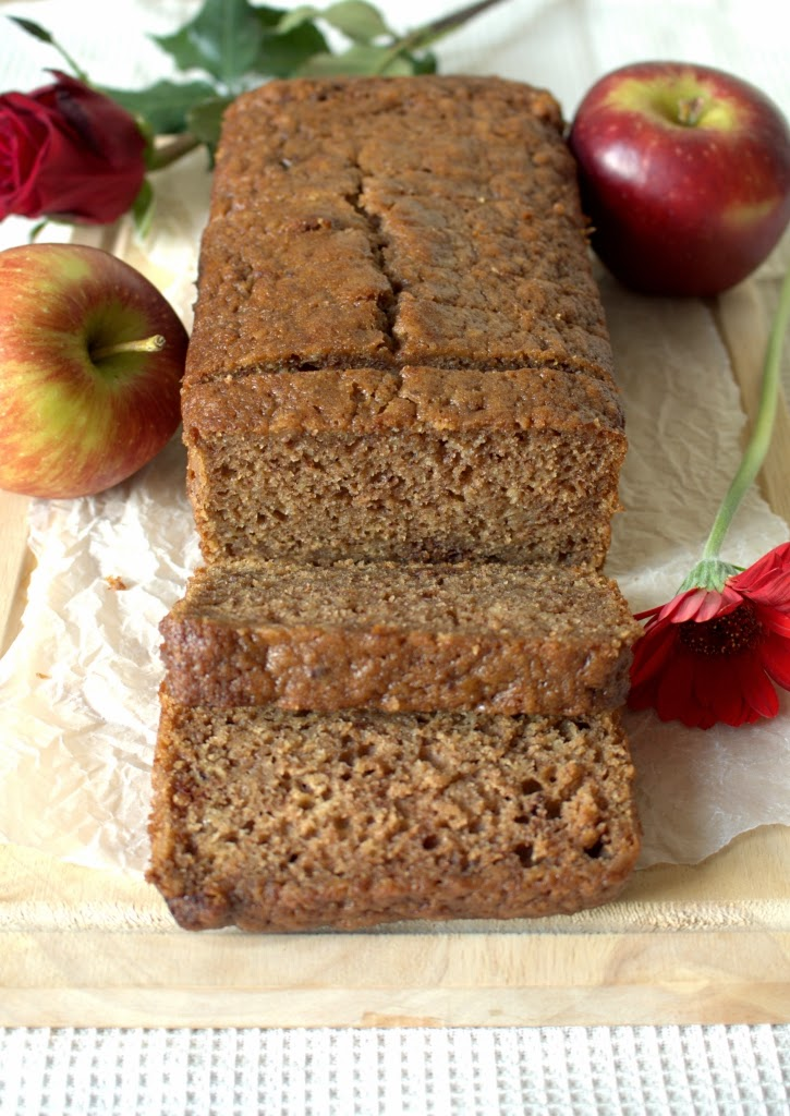 Super easy Apple Sauce Loaf Cake Bread made with lots of cinnamon. A cake with a little less sugar and fat.