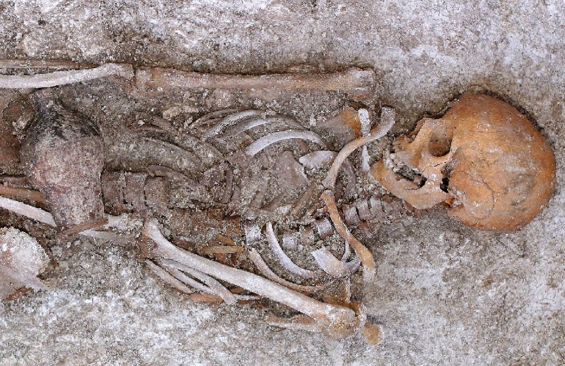 Dirt provides new insight into Roman burials