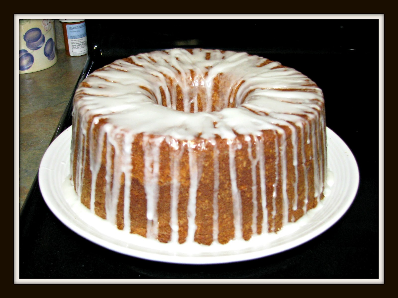 RandomThoughtsfromTN: Cream Cheese Pound Cake With Lemon Glaze