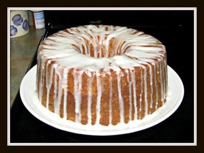 RandomThoughtsfromTN: Cream Cheese Pound Cake With Lemon Glaze