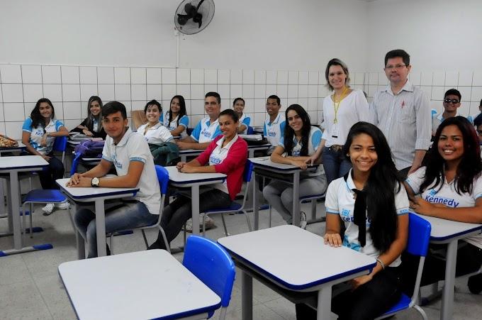 Educação do RN: Oficinas da Escola Edgar Barbosa mobilizam estudantes para a atividade científica