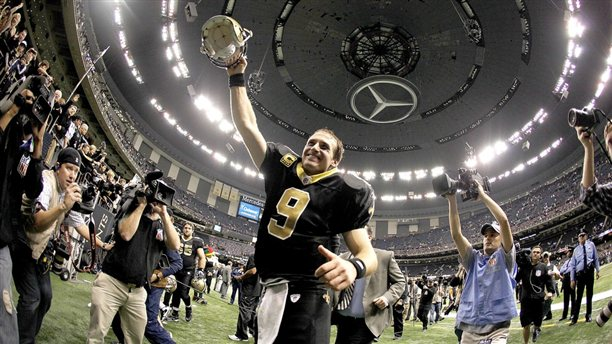Brees supera el record de Marino