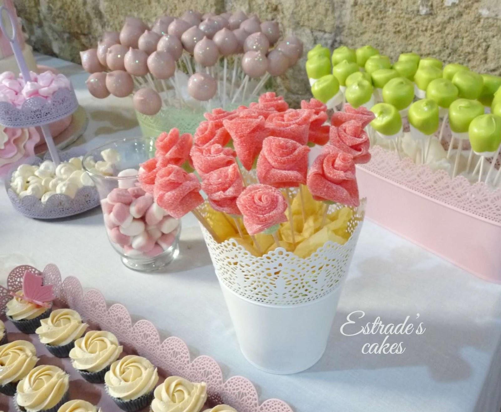 Estrade 39 s cakes rosas de chuches para una mesa dulce for Fotos de mesas de chuches para bodas