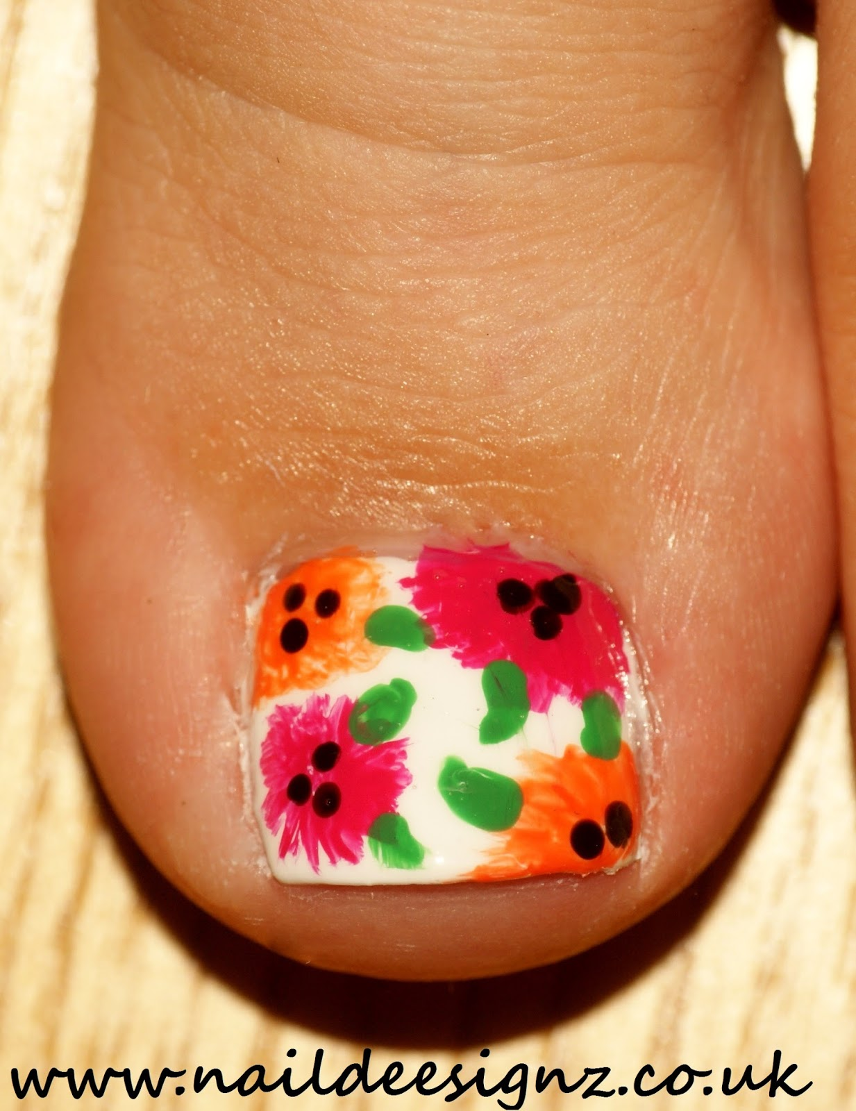 ... Nail Designs - Easy Nail Designs For Short Nails: Summer Flowers