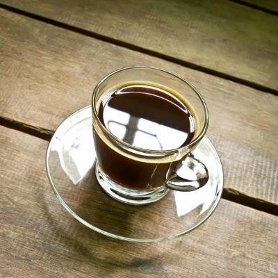 تسبب القهوة بعض الصداع عندما لا يتم تناولها إذا كنت مدمنها