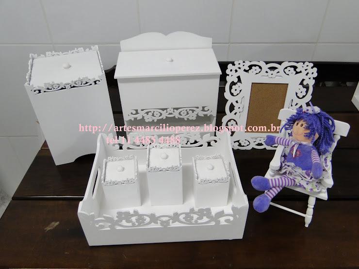 kit higiene Bebe R$ 180,00 com 8 peças ( a bonequinha não acompanha)