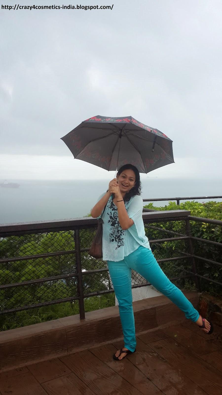Hongkong Ocean Park raging river