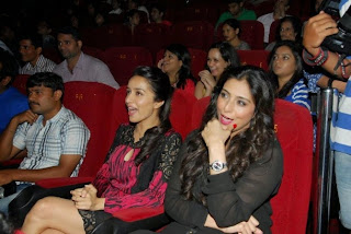 Shahid Kapoor & Shraddha Kapoor at The Official Trailer launch of movie HAIDER (3).JPG