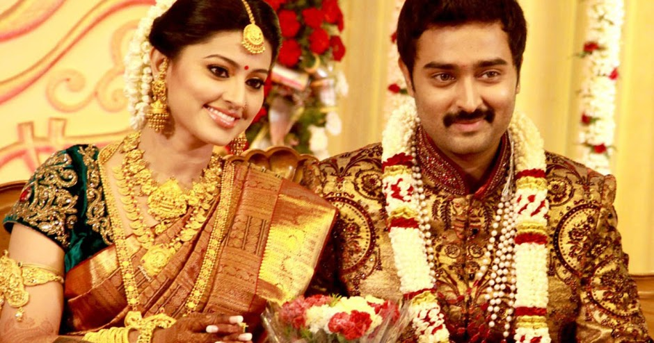 all off u: Sneha and Prasanna Wedding stills