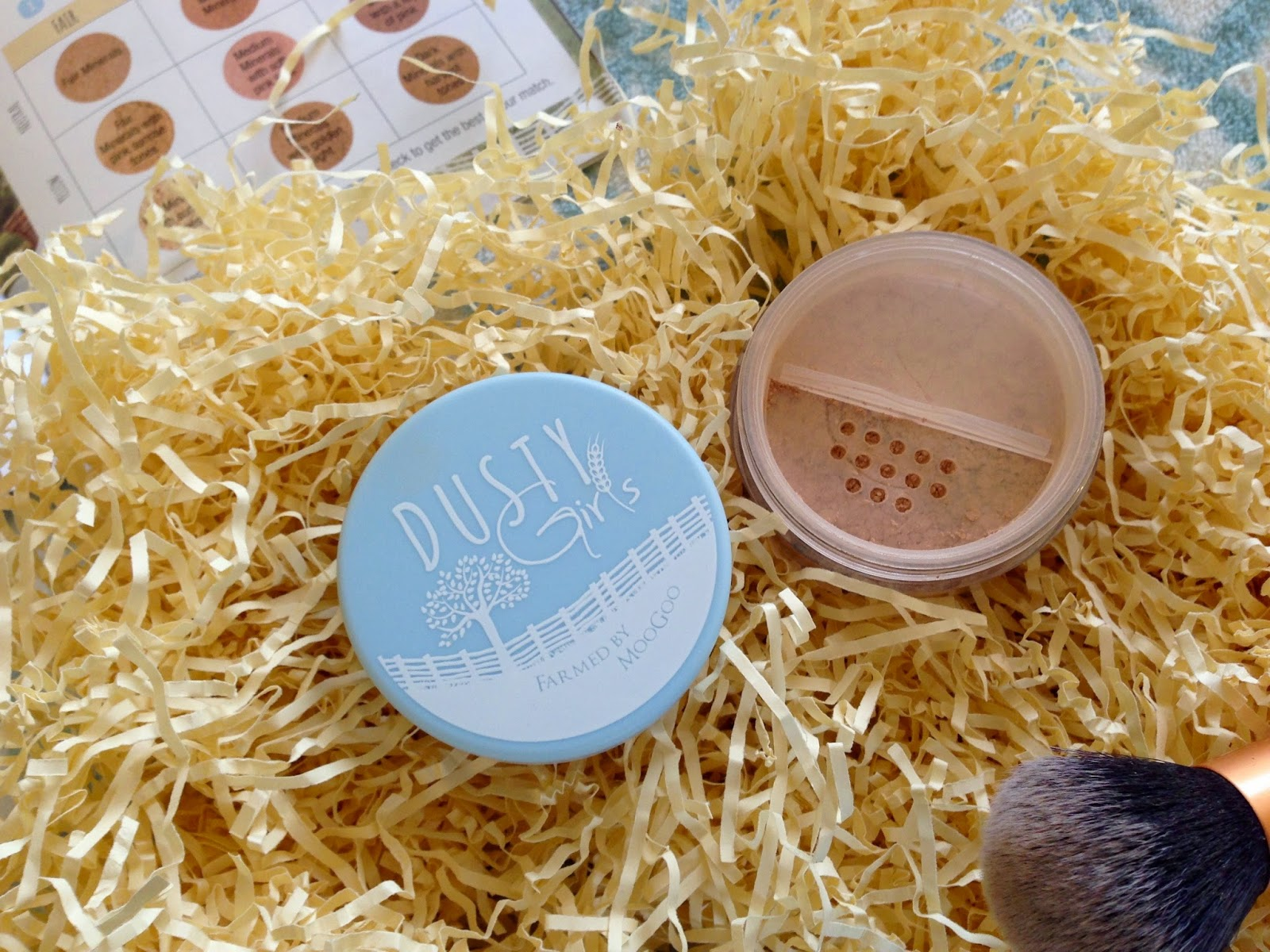 Dusty Girls Mineral Foundation Review MooGoo