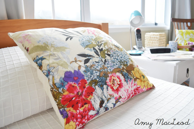 Easy floral cushion // Amy MacLeod, Five Kinds of Happy
