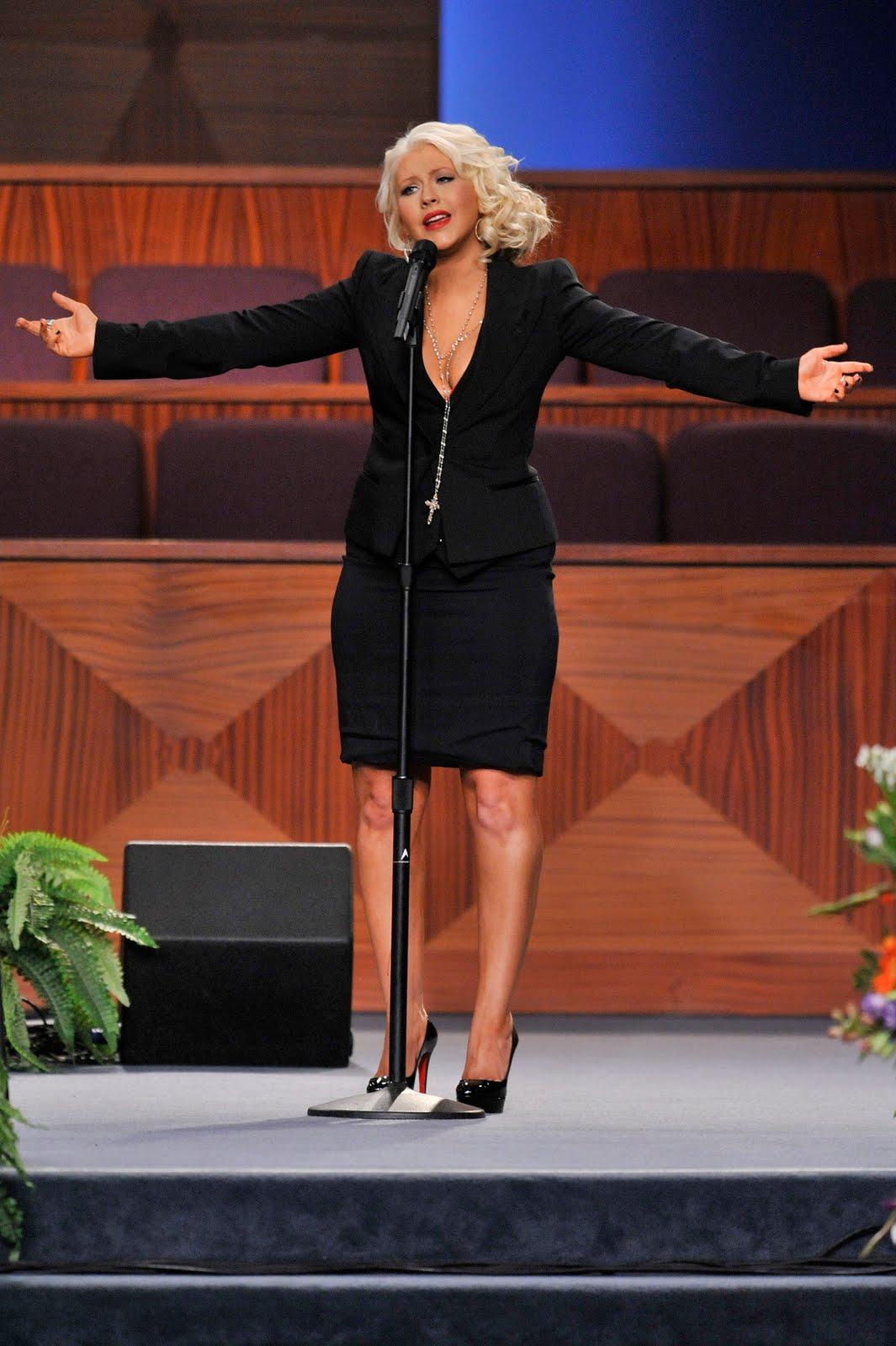 http://2.bp.blogspot.com/-OAYoAGeErQU/TyVkor20wpI/AAAAAAAAC3E/J0n2O8zEphg/s1600/etta-james-funeral-20120128-171703-477.jpg