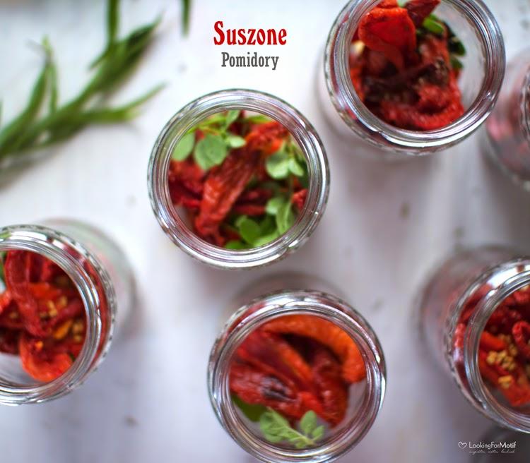 suszone pomidory w słoiczkach