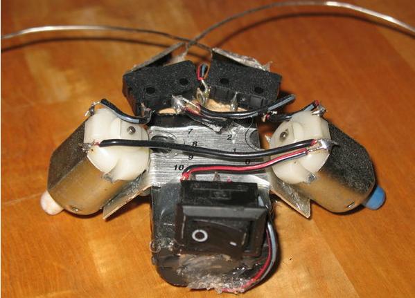 Pemasangan kabel pada robot beetlebot