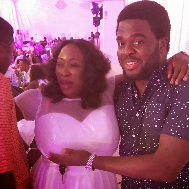 aremu afolayan grabbed boobs