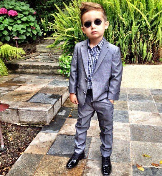 ألونسو ماتيو - الطفل ذو الخمس سنوات الذي اصبح اشهر عارض ازياء Alonso-Mateo8%5B1%5D