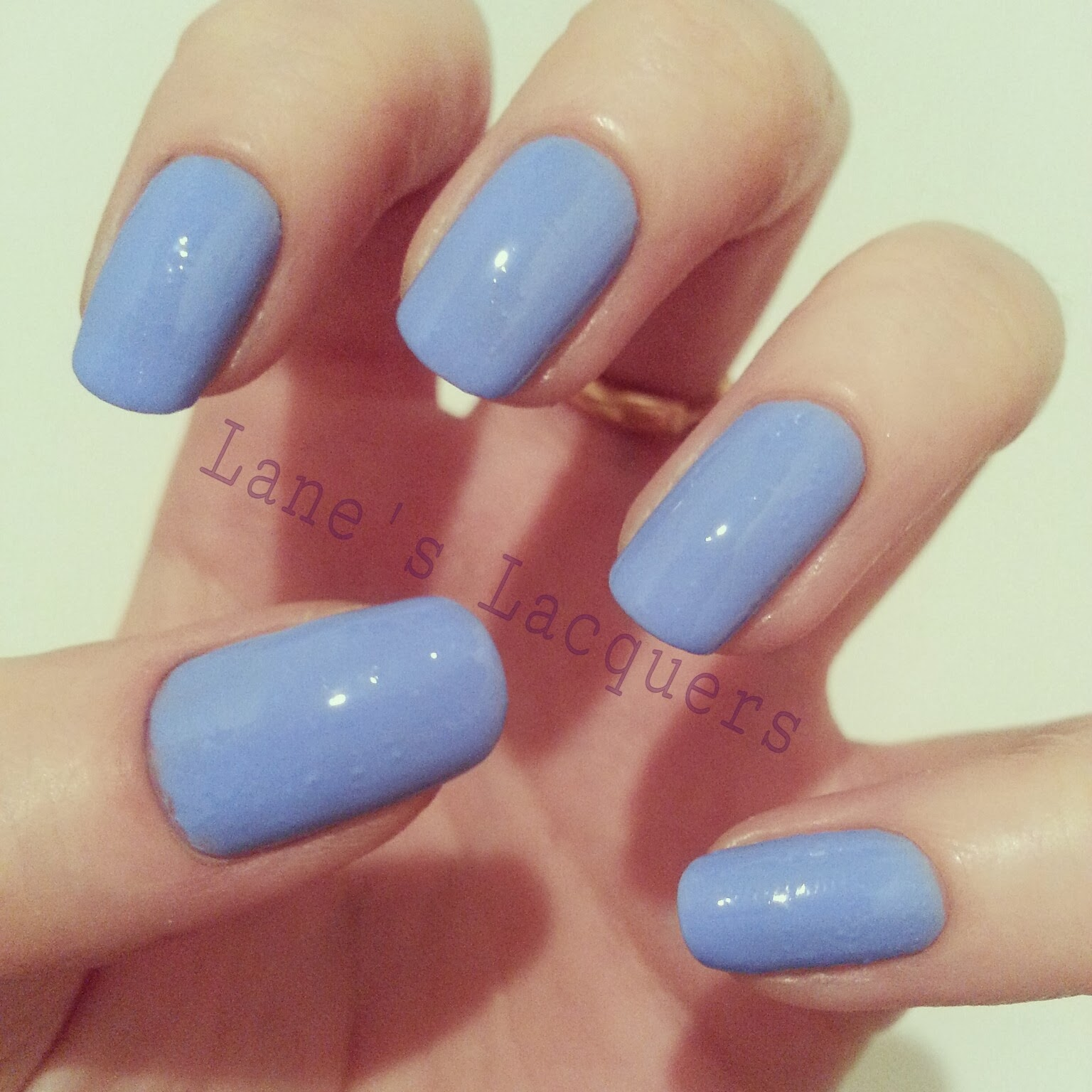 models-own-hypergel-cornflower-glint-swatch-manicure