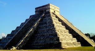 Pirámide de Chichen Itzá reproduce sonido quetzal