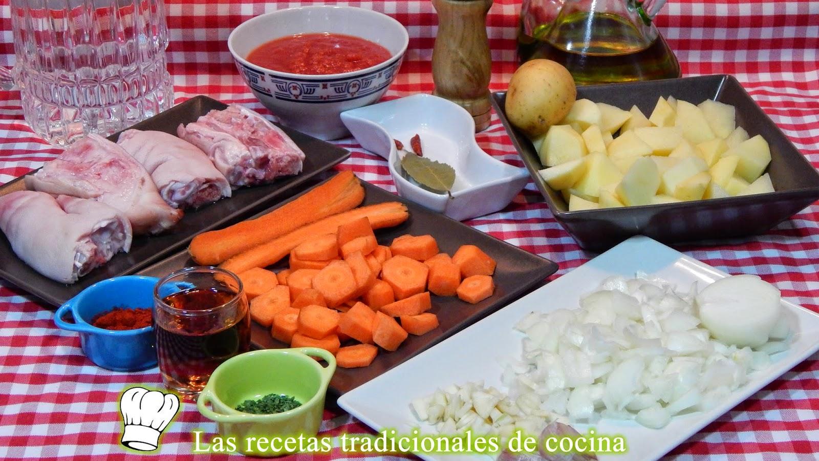 Receta fácil de manitas de cerdo estofadas