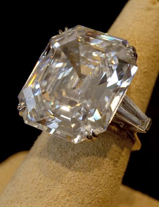 http://dangstars.blogspot.com/2014/11/jenis-batu-akik-sering-digunakan-sebagai-cincin.html