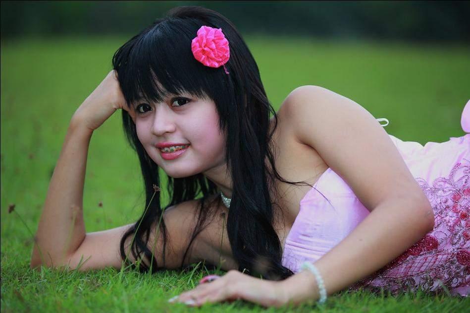 SANG SUPER MODEL SEXI DENGAN CIRI KHSNYA
