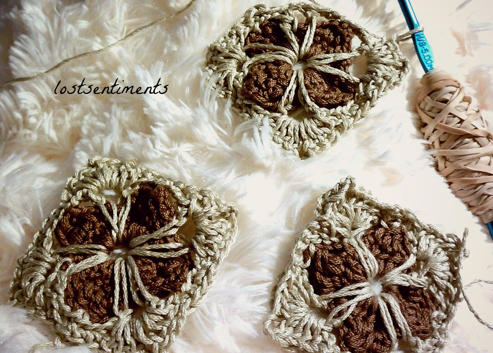 Lostsentiments Cathedral Motif Granny Square Crochet Free Pattern