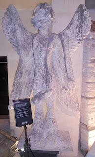El demonio Pazuzu, conocido por El Exorcista, también presente en la exposición.