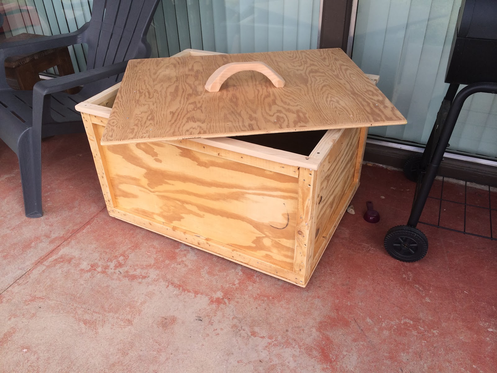 the mountain woodworks patio deck box