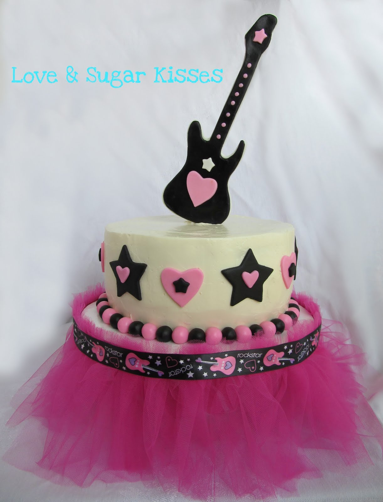 Rock Girl Birthday Cake http://lovesugarkisses.blogspot.com/2011/08/rock-party-cake.html