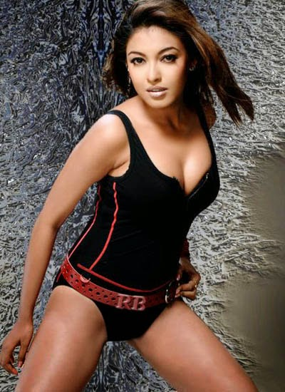 tanushree dutta hot cleavage hd wallpapers