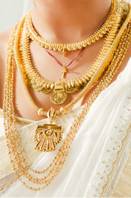 Diamond necklace set by khazana jewellers latest jewellery designs - Kerala Traditional Bridal Jewellery Jewellery Designs