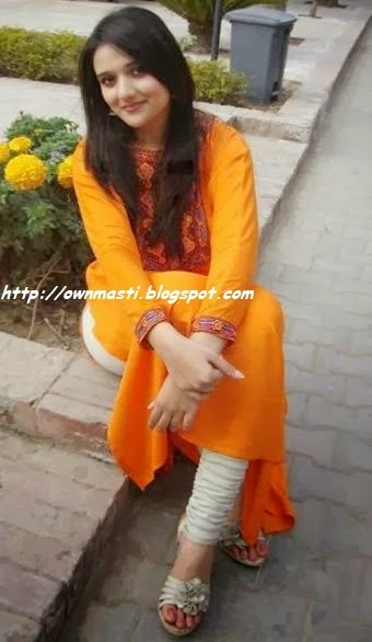 Lahore Girls Mobile Numbers 2014, Sexy And Hot Girls Number